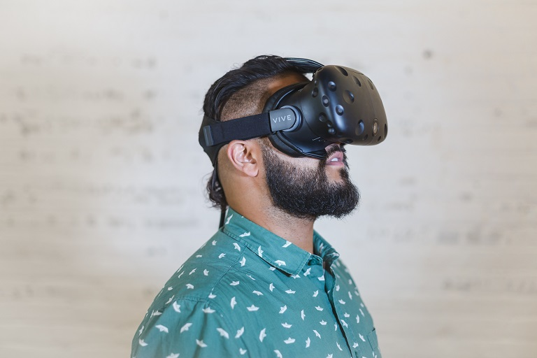 Enjoying Virtual Reality